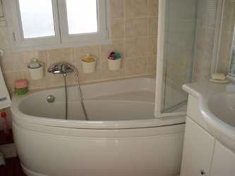 Annonce immobilire location appartement meubl paris clichy for Chauffe serviette salle de bain